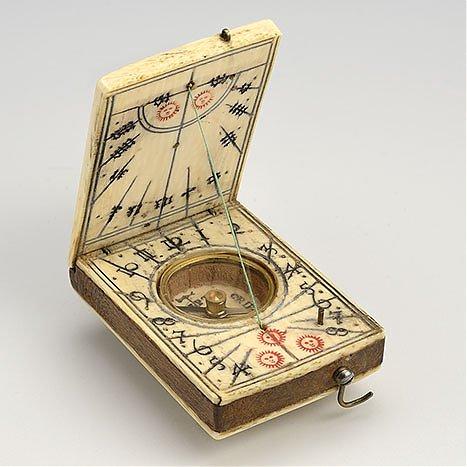 Zegar dyptykowy typu norymberskiego